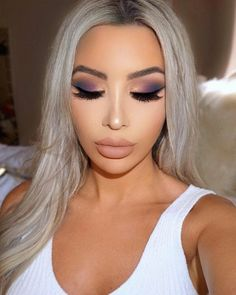 7 - 2020 Winter Makeup Tips, 7 - 2020 Winter Makeup Tips - 1 This winter, celebrities guaranteed their beauty with these four make-up. Get inspired by celebrity make-up for your p. Prom Makeup, Wedding Makeup, Hair Makeup, Makeup Quiz, Eyeshadow Looks, Eyeshadow Makeup, Eyeshadows, Eyeshadow Palette, Eyeliner