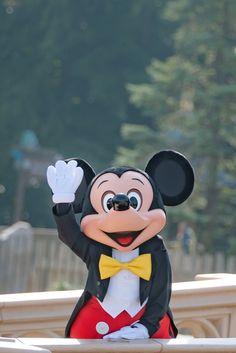 Disney Parks, Disney Pixar, Walt Disney, Disney Characters, Cute Disney Pictures, Park Pictures, Disney Fanatic, Disney Aesthetic, Tokyo Disneyland