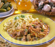 Lajos Mari konyhája - Aprópecsenye Stroganoff módra Just Eat It, Hungarian Recipes, No Cook Meals, Meat Recipes, Spaghetti, Food And Drink, Pork, Beef, Fish