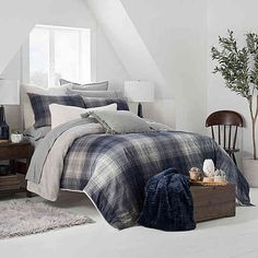 Update your bedroom décor with refined style with the UGG Redding Plaid Reversible Duvet Cover Set. The urbane bedding boasts a plaid pattern on a yarn dyed flannel ground in shades of navy and grey with a polar faux fur reverse. Red Duvet Cover, King Duvet Cover Sets, King Comforter Sets, Queen Bedding, Luxury Duvet Covers, Luxury Bedding Sets, Modern Bedding, Plaid Bedding, Bed Linen Design