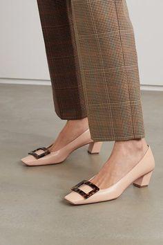 Roger Vivier belle vivier leather pumps. #rogervivier #nudeshoes #pumps #heels Pink Leather, Leather Pumps, Top Designer Brands, Designer Shoes, Roger Vivier Shoes, Personal Shopping, Pump Shoes, Shopping Bag, Calves