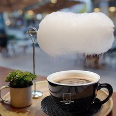 Coffee Art, V60 Coffee, Coffee Shop, Elixir Of Life, Cotton Candy Clouds, No Sugar Foods, Latte Art, Make It Simple, Cravings