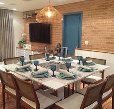 Adoooooro ambientes com esses tijolinhos 😍😍😍 E minha perdição é a cor azul 💙💙💙 Logo, estou caidinha por essa decoração 🔝🔝🔝 - #sala #saladetv #saladejantar #design #decoração #arquitetura #novidades #Instagram #euqueronaminhacasa