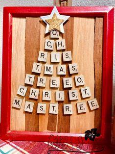 Cute Christmas Ideas, Christmas Tree Art, Christmas Crafts To Make, Christmas Ornament Crafts, Burlap Christmas, Christmas Projects, Scrabble Christmas Decorations, Scrabble Ornaments, Holiday Decorations
