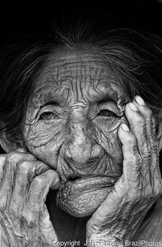 wrinkly woman   Portray of a very elderly woman. Kinikinau indigenous People, Mato ...