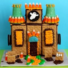 Haunted Cookie House - no bake, graham crackers, sugar cones and candy #creativemamas #kids #fun