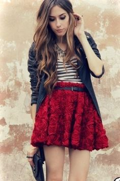 I love this skirt. Great V-Day outfit!