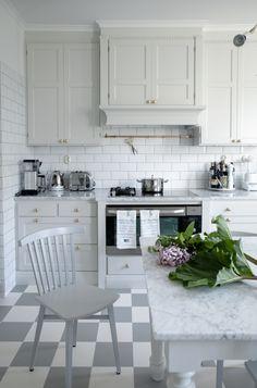 Lilacs and rhubarb | House of Philia