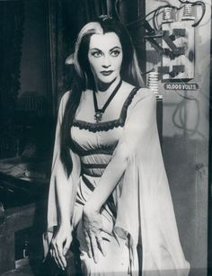 THE MUNSTERS (1964 - 1966) ... starring Yvonne de Carlo as Lily Munster