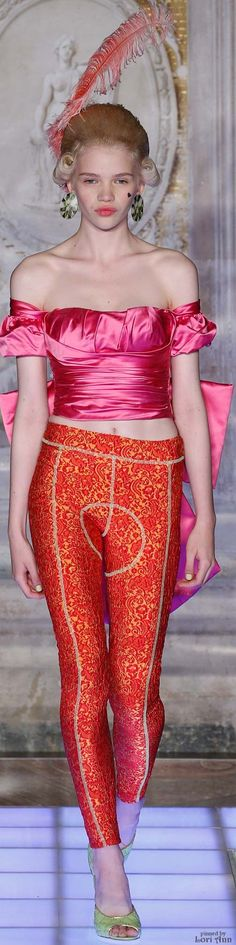 Moschino from the Menswear Collection 2016 Pink Fashion, Couture Fashion, Fashion Models, Luxury Fashion, Fashion Show, Fashion Outfits, Womens Fashion, Color Fashion, Fashion 2016