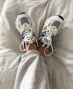 AXEL ARIGATO - Shop sneakers, ready-to-wear and accessories for women & men. Sneakers Fashion, Fashion Shoes, Fashion Outfits, Neue Outfits, Aesthetic Shoes, Hype Shoes, Dream Shoes, Mode Style, Look Fashion