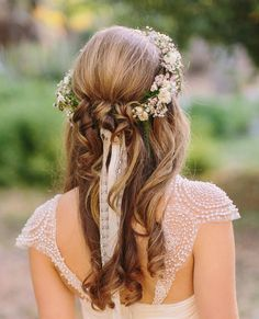 pretty half up half down wedding hairstyle with floral headband for rustic fall weddings