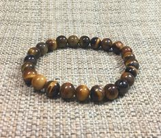 8mm Brown Tiger Eye Gemstones Stretch Handmade Bracelet, Healing Chakra Protection Meditation Mala Yoga Lucky Zodiac Capricorn Bracelet de ArtGemStones en Etsy