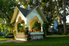 "Kaleidoscope Inn & Gardens of Nipomo, CA is becoming known throughout California as a perfect bed & breakfast for a romantic getaway. Known as ""The Place"" in the California Central Coast to hold your garden wedding & reception in our acre of beautiful flower-filled gardens."