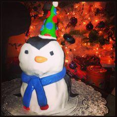 Penguin Smash Cake Penguin Cakes, Cake Smash, Penguins, Snowman, Outdoor Decor, Home Decor, Decoration Home, Penguin, Interior Design