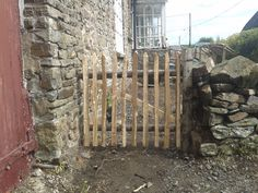 A small sweet chestnut paling gate Trellis Fence, Sweet Chestnut, Chicken Breeds, Free Range, Garden Gates, Flower Pots, Home And Garden, Outdoor Structures, Patio