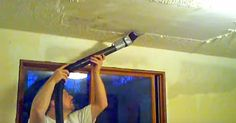 This man shares a brilliant tip that will remove popcorn ceilings cleanly and quickly.