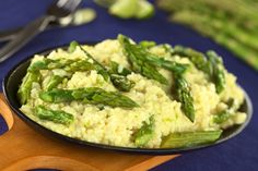 Rice with asparagus and almonds...  Riso con asparagi e mandorle