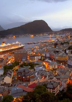 Bergen is among our favored cities in Norway It has all the beauty of Trondheim, the culture of Oslo, as well as the magic of Tromso, all covered into a very easy to absorb package that makes seein… Lofoten, Bergen, Oslo, The Beautiful Country, Beautiful Places, Places To Travel, Places To See, Norway Viking, Alesund