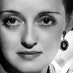 Welcome to the official Bette Davis website. Learn more about Bette Davis and contact us today for licensing opportunities. Hollywood Icons, Old Hollywood Glamour, Golden Age Of Hollywood, Vintage Hollywood, Hollywood Stars, Classic Hollywood, Hollywood Lights, Divas, Brigitte Bardot