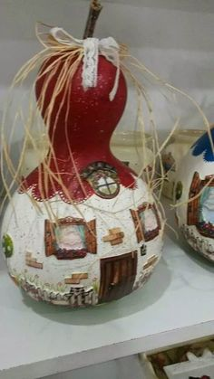 nural-ca herşey: su kabağından neler yapılabilir New Year's Crafts, Rock Crafts, Easy Diy Crafts, Decor Crafts, Decorative Gourds, Hand Painted Gourds, Art N Craft, Diy Art, Halloween Gourds