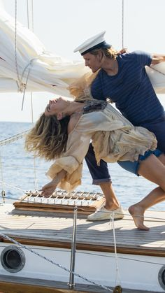 Mamma Mia 2 (Donna and Bill) Mamma Mia, Iconic Movies, Good Movies, Movies Showing, Movies And Tv Shows, Does Your Mother Know, Mode Hippie, Here I Go Again, I Love Cinema