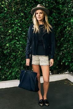 T is for The Blues LAVEER designer Kate Ciepluch, in Tory'sIsabel top and Nicole short, shows how it's done. Read more…