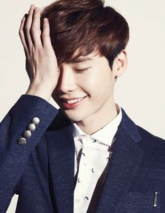 """""""Pinocchio"""" lead actor Lee Jong-suk has renewed his modelling contract with casual fashion brand MVIO for the spring season in the Korean and Chinese markets, it was revealed Tuesday. Lee Joon, Sung Joon, Han Hyo Joo, Gong Yoo, Korean Star, Korean Men, Asian Men, Asian Guys, Asian Actors"""