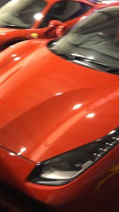 We provide Top Chauffer cars in London and Luton Ferrari (Феррари) - мечта любого мужчины! Carros Lamborghini, Lamborghini Cars, Ferrari F40, Bugatti, Luxury Sports Cars, Best Luxury Cars, Sport Cars, Automobile, Jeep Wrangler Accessories