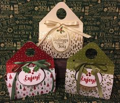 Christmas 2017 Triangle Top Gift Bag – Rejoice and Create Stampin Up Christmas, Christmas Love, Christmas 2017, Christmas Treats, Christmas Cards, Christmas Wrapping, 3d Paper Crafts, Treat Holder, Craft Show Ideas