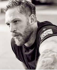 Tom Hardy Sept 2017 - what a man ; Vip Pass, Felicity Jones, Craig Mcdean, Tom Hardy Bart, Tom Hardy Haircut, Tom Hardy Photos, Gentleman, Toms, Beard Humor