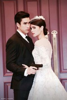 The crown princess Thai Drama, Actor Model, The Crown, Celebrity Couples, Suho, Traditional Dresses, Actors & Actresses, One Shoulder Wedding Dress, Stylists