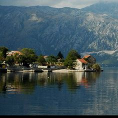 will be active from Montenegro in CQ WW DX SSB Contest 30 - 31 October 2010 as Countries To Visit, Places To Visit, I Want To Travel, Montenegro, Dreaming Of You, Beautiful Places, Paradise, To Go, Around The Worlds