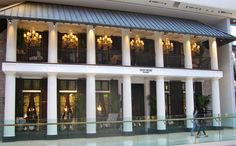 Gilly hicks I love this store Abercrombie Fitch, Exterior Design, Interior And Exterior, Gilly Hicks, Retail Design, Store Design, Restaurant Bar, Mansions, House Styles