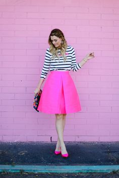 17 Beautiful Outfits With Kate Spade Bags Pink Skirt Outfits, Hot Pink Skirt, Pink Midi Skirt, Pink Dress, Cute Outfits, Pink Skirts, Plaid Fashion, Moda Fashion, Style Fashion