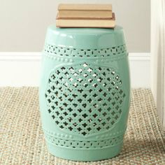 Ordinaire Waiting To Find The Perfect Garden Stool. Love This Color And The  Quatrefoil.