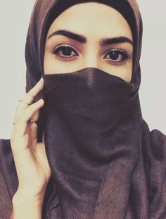 Simple Woman Niqab Beauty