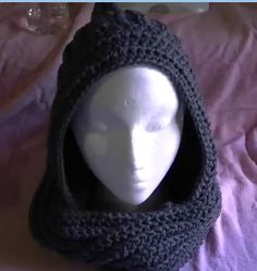 Crochet Hoods How to crochet a Scoodie - Scarf cross a hoodie - Writen pattern and video tutorial. Scroll down page for free pattern. Crochet Hooded Scarf, Knit Or Crochet, Learn To Crochet, Crochet Scarves, Crochet Shawl, Crochet Clothes, Hooded Cowl, Crocheted Hats, Chunky Crochet