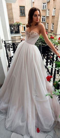 Sweetheart Neckline Ball Gown A-Line Wedding Dress #weddingdresses #iloveweddings #weddinggowns