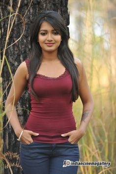 Catherine Tresa (Katherine Theresa) Actress Photos Stills Gallery Hot Actresses, Indian Actresses, South Indian Actress, India Beauty, Indian Girls, Actress Photos, Female Models, Bollywood, Celebrities