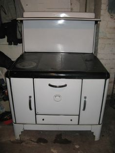 Vintage Wood Burning Cook Stove - Great Condition!
