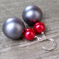 Giada  Gorgeous Chunky 18mm Round Red and Gray Blue by Tessyla, $35.00