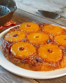 Pineapple Upside-Down Cake, Use a cast-iron skillet to bake this popular cake with a pecan topping. Use a cast-iron skillet to bake this popular cake with a pecan top. Iron Skillet Recipes, Cast Iron Recipes, Skillet Meals, Skillet Cake, Skillet Cooking, Classic Desserts, Fun Desserts, Delicious Desserts, Cake Recipe Martha Stewart