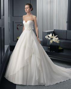 Vestido de novia TWO BY Rosa Clará 2015. #WeddingDress. #bride
