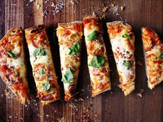 Ciabatta pizza from Saveur. No time to make your own dough? Use a loaf of bread for the crust and… Pizza Recipes, Dinner Recipes, Cooking Recipes, Saveur Recipes, Cheese Recipes, Yummy Recipes, Recipies, Yummy Food, Empanadas