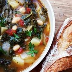 Zdjęcie do przepisu: Wegetariańska zupa z jarmużu