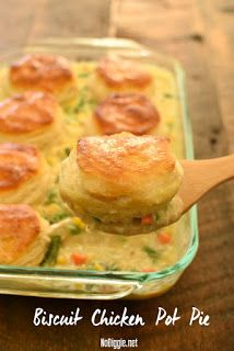 Chicken Pot Pie made easy! We love this Biscuit Chicken Pot Pie with pre-made biscuits, it's a delicious fast way to get dinner on the table. Chicken Pot Pie is one of the best comfort foods around… Cream Of Chicken Soup, Chicken Pot Pie Recipe With Biscuits, Chicken Pot Pie Casserole, Biscuit Pot Pie, Easy Chicken Pot Pie, Recipes With Grands Biscuits, Pilsbury Biscuit Recipes, Grand Biscuit Recipes, Chicken Pop Pie