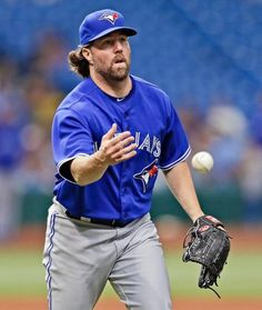 Dickey is a Christian baseball pitcher who uses a unusual pitch, the knuckleball. Sports Baseball, Baseball Players, Mlb Teams, Sports Teams, Baseball Toronto, Blue Jay Way, Gold Gloves, American League, Toronto Blue Jays
