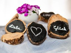 Holzscheiben für Tischdeko von Sweet-Table-Art auf DaWanda.com