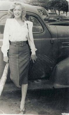 Classic Car and Beatifull Girl